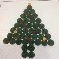 Christmas Tree Yoyo Quilt